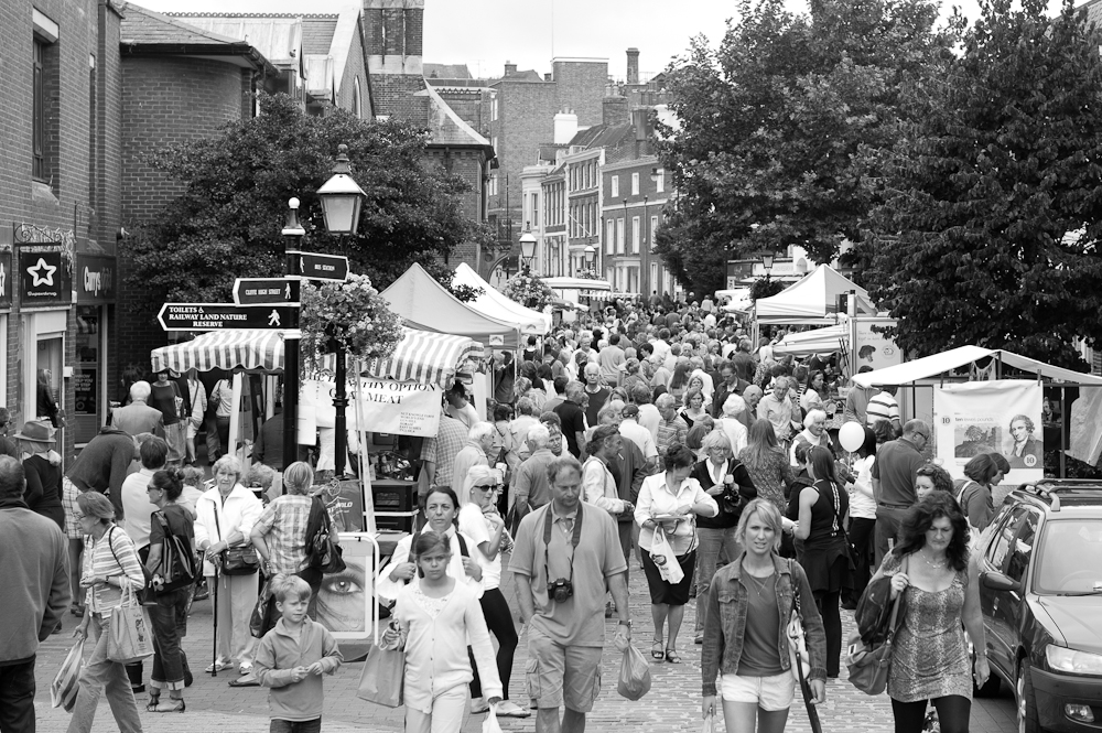 Crowds @ Lewes Farmers Market, Lewes, Sussex, England. Sat, 6 Aug., 2011.  (c) 2011 Auwyn.com All Rights Reserved