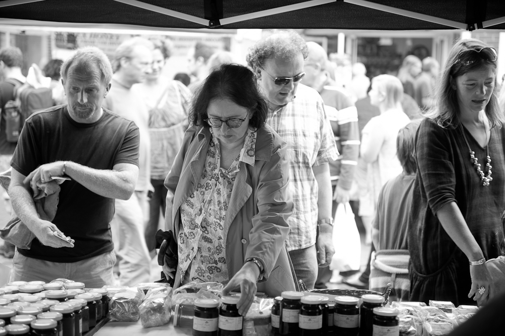 Shoppers @ Lewes Farmers Market, Lewes, Sussex, England. Sat, 6 Aug., 2011.  (c) 2011 Auwyn.com All Rights Reserved